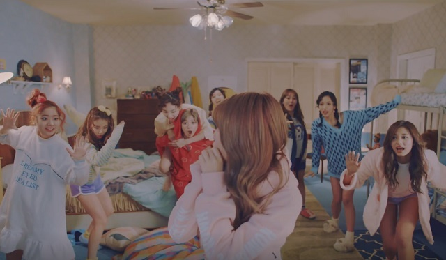 TWICE-KnockKnock-12.jpg
