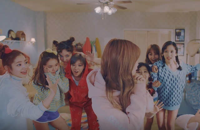 TWICE-KnockKnock-14.jpg