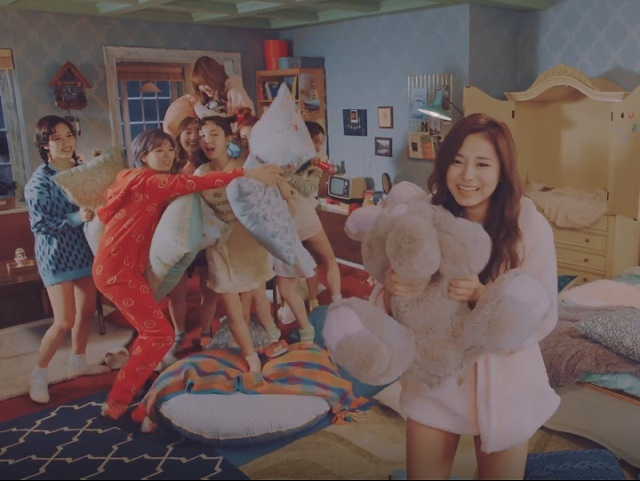 TWICE-KnockKnock-19.jpg