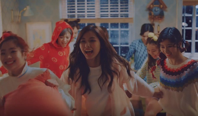 TWICE-KnockKnock-35.jpg
