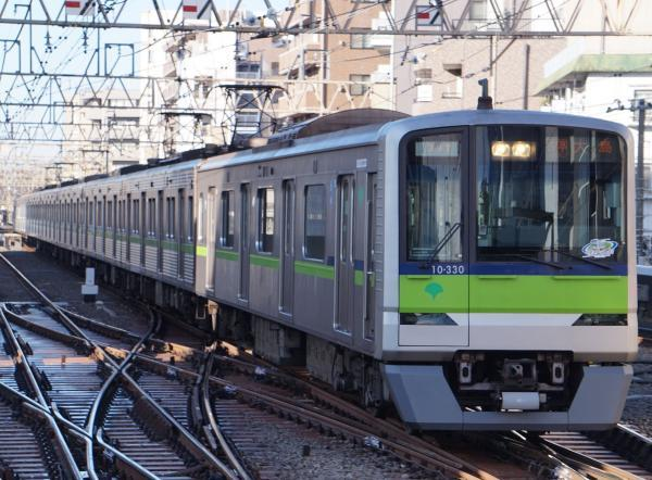 2017-02-10 都営10-330F 各停大島行き