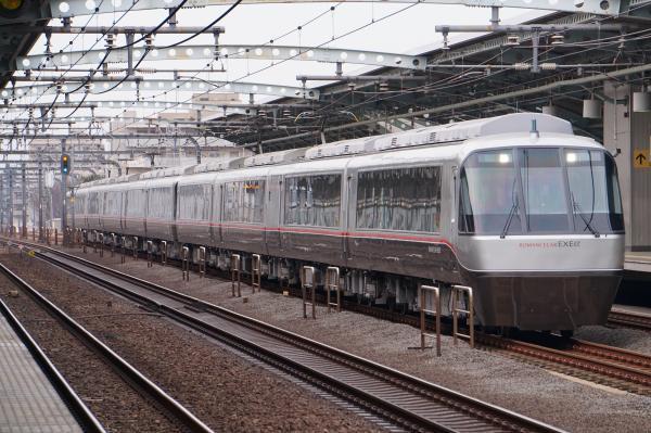 2017-03-04 小田急30000形(EXEα) さがみ号新宿行き