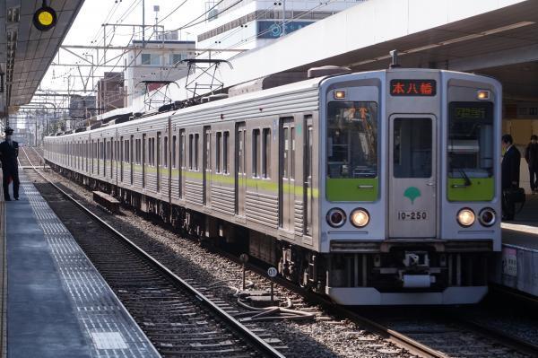 2017-03-04 都営10-250F 区間急行本八幡行き