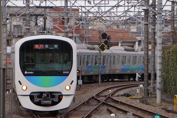 2017-03-17 西武32101F_38103F 急行飯能行き 2157レ