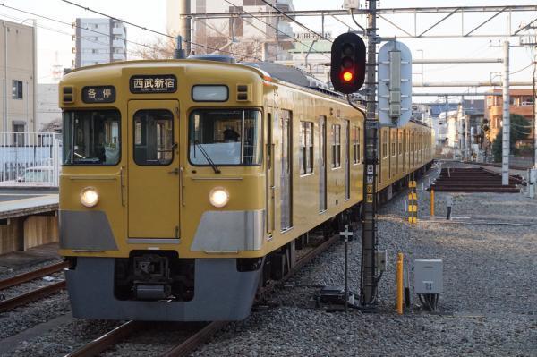 2016-03-22 西武2015F_2407F 各停西武新宿行き1 5836レ