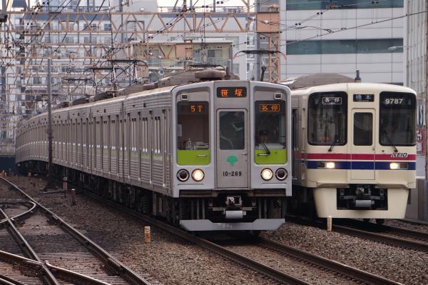 2017-03-24 都営10-260F 京王9737F