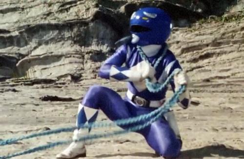 戦隊 ヒーロー ジュウレンジャー トリケラレンジャー やられ ピンチ powerrangers blue