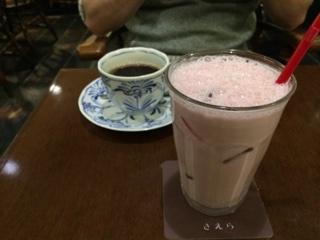 コーヒー・いちごミルク