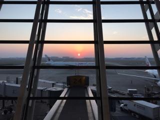 空港からの夕日