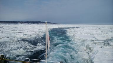砕氷船の軌跡