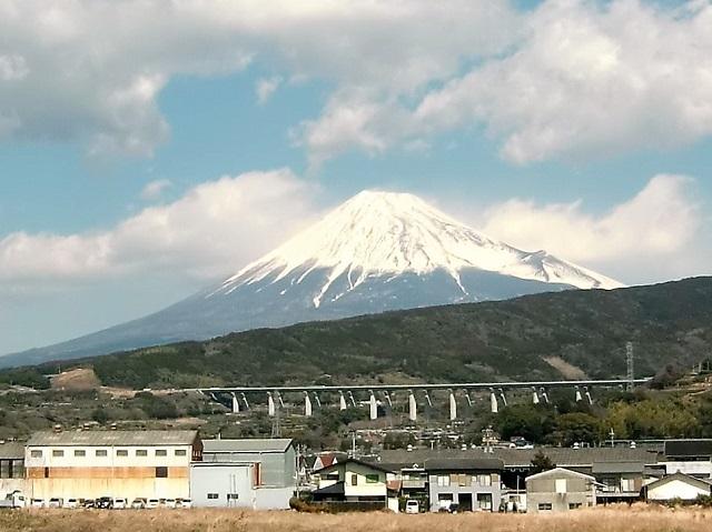静岡県富士市中河原から見る富士山