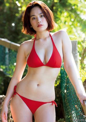 【グラビア】たわわな美バスト際立つ赤ビキニ!…筧美和子、グアムで魅せる迫力満点ダイナマイトボディ! SHOWBIZ JAPAN