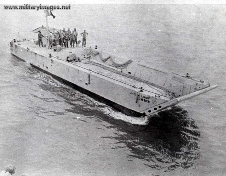 Vietnam_War_LANDING_CRAFT_MEDIUM.jpg