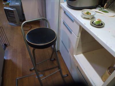 4.22居酒屋店主の椅子