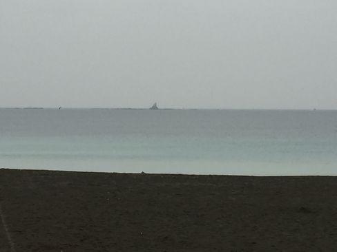 サザンビーチから烏帽子岩_H29.01.08撮影
