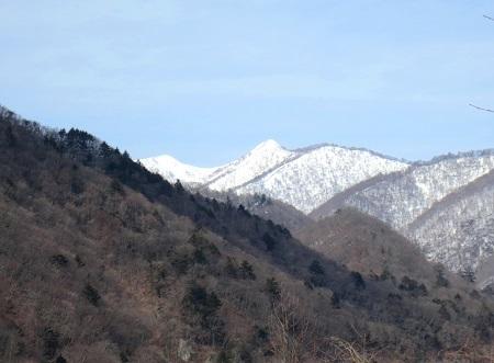IMG_9725遠くに稲包山