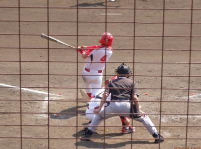 P3190281ハウスプラン5回表2死三塁から1番の中前打で1対1の同点