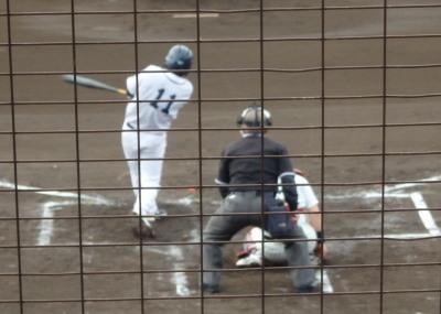 P4250779中村造園同じ3回裏1死一、二塁から5番脇屋敷が左中間二塁打を放ち4対0