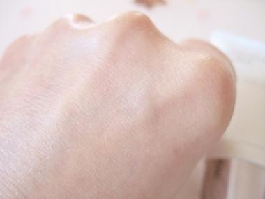 美容液&パック機能ファンデーション!シミ、くすみ、シワ、毛穴をカバー【薬用クリアエステヴェール】