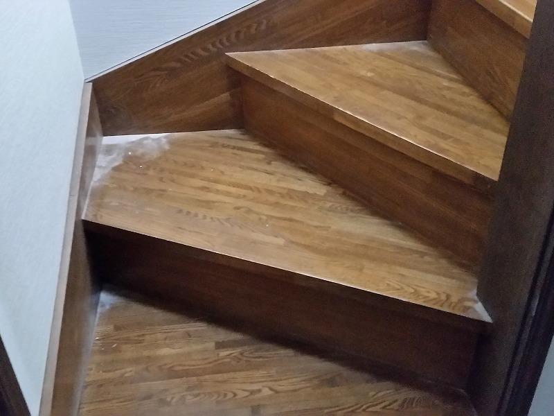 6階段おそうじ前