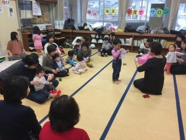 最後には、いつも中村先生の楽しい歌やゲームが