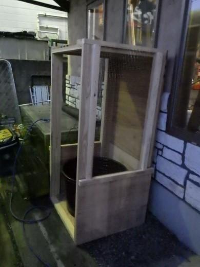 カブトムシ小屋作成 (26)