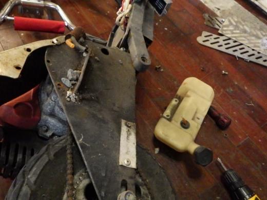 エンジン付きキックボード分解 (11)