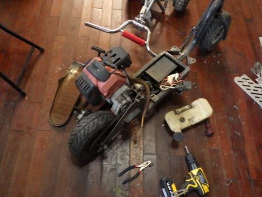 エンジン付きキックボード分解 (12)