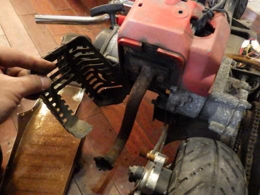 エンジン付きキックボード分解 (17)