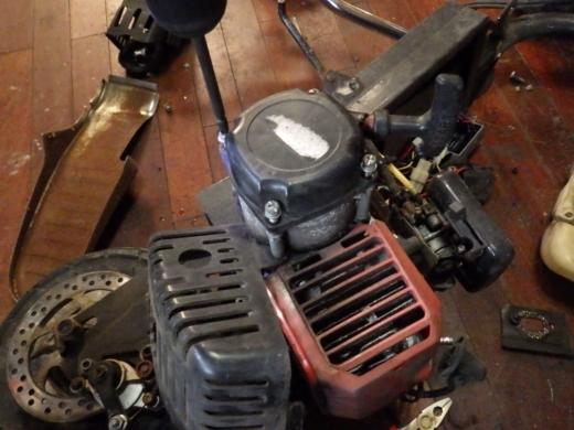 エンジン付きキックボード分解 (20)
