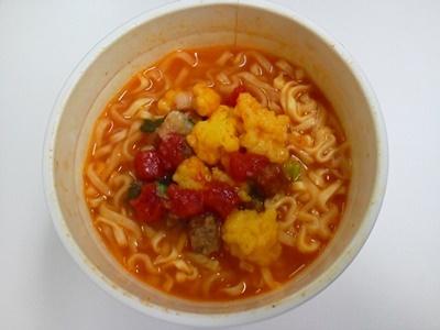 いまどき菌活らーめん ヨーグルトトマト味_05