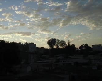 アパートから朝の風景(秋)