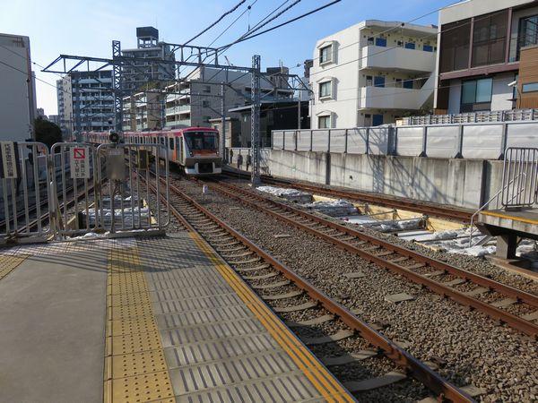 旗の台駅二子玉川方で進むホーム延長工事。