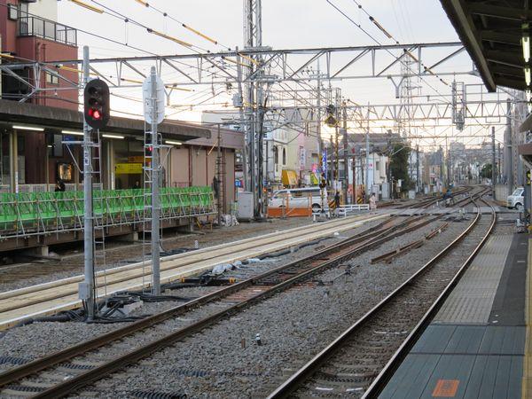 上りホームから本川越方に新設されたポイントC-Dを見る。