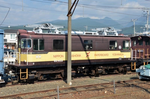 岳南富士岡駅に留置中のED403