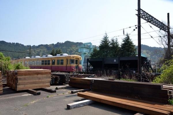 ホキ989と3000系電車