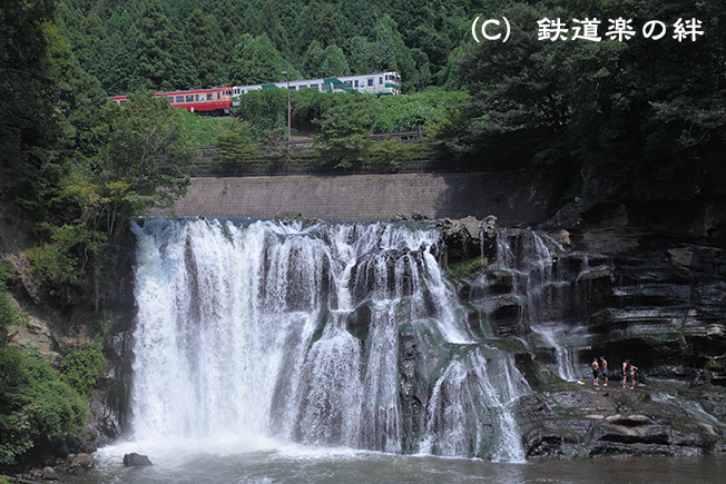 20110813滝025D2