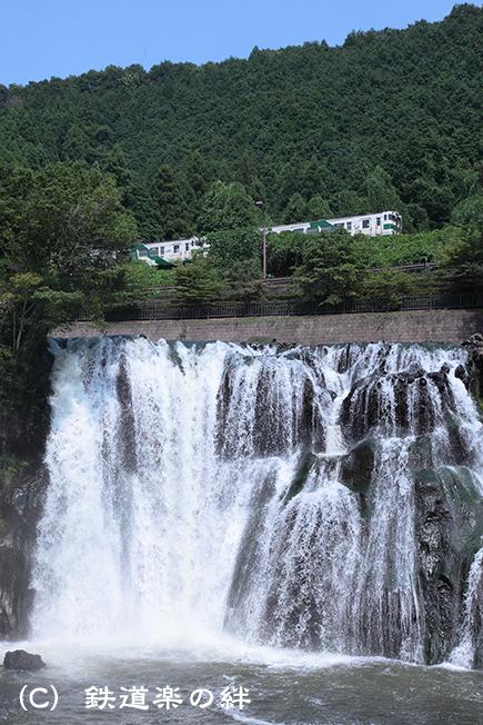 20110813滝035D2