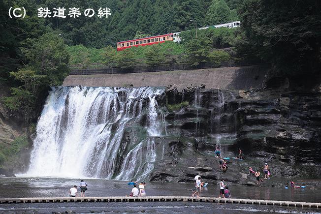 20110814滝025D2