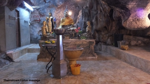 Wat Tham Mangkon Thong