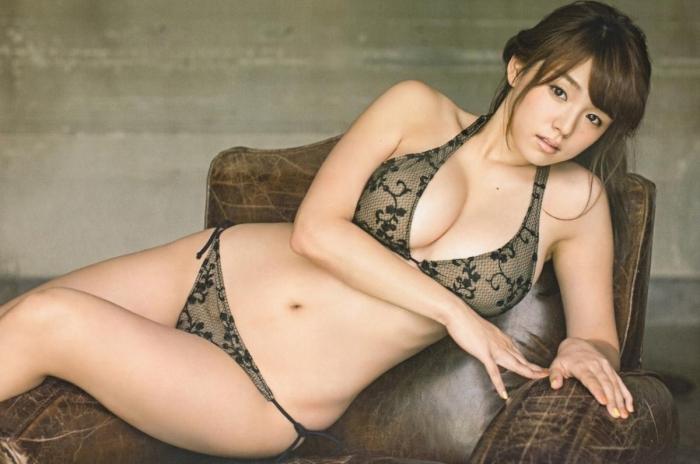 sinozaki_ai_03ll12_.jpg