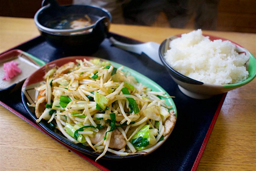 手打ラーメン 登竜@那須烏山市志鳥 肉入り野菜炒め定食