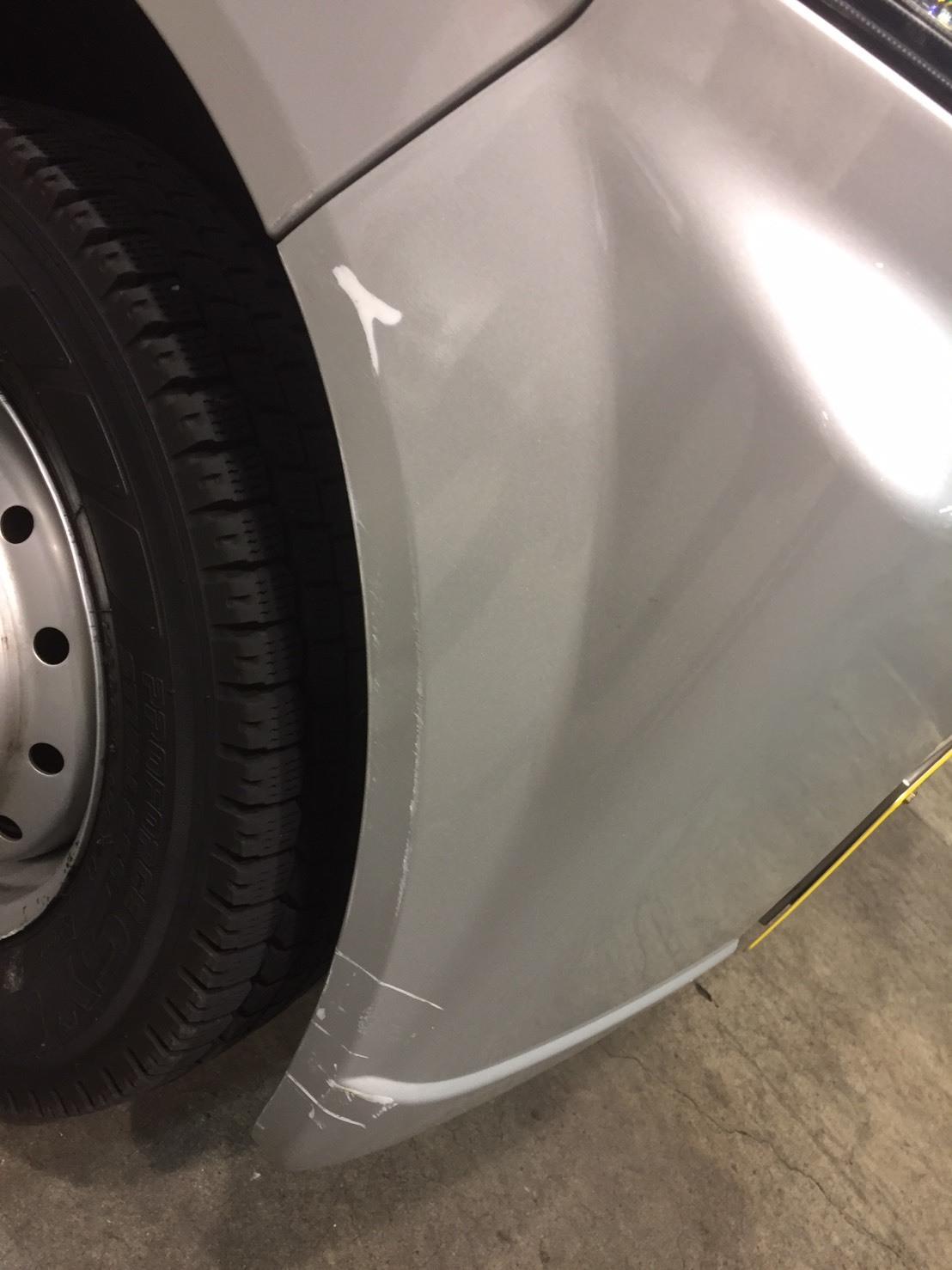 レンタカー傷