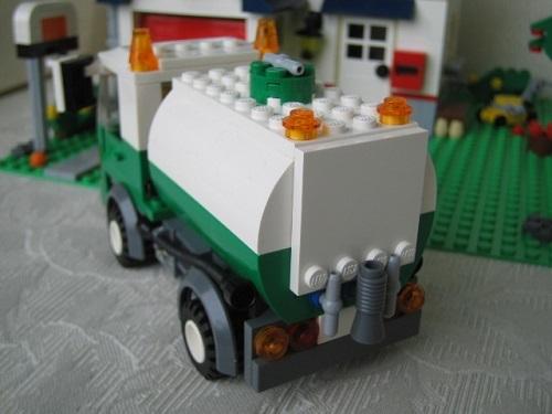ブロックで出来たバキュームカー