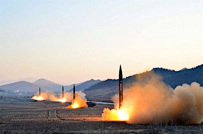北朝鮮弾道ミサイル