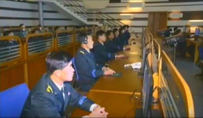 北鮮 衛星監視室