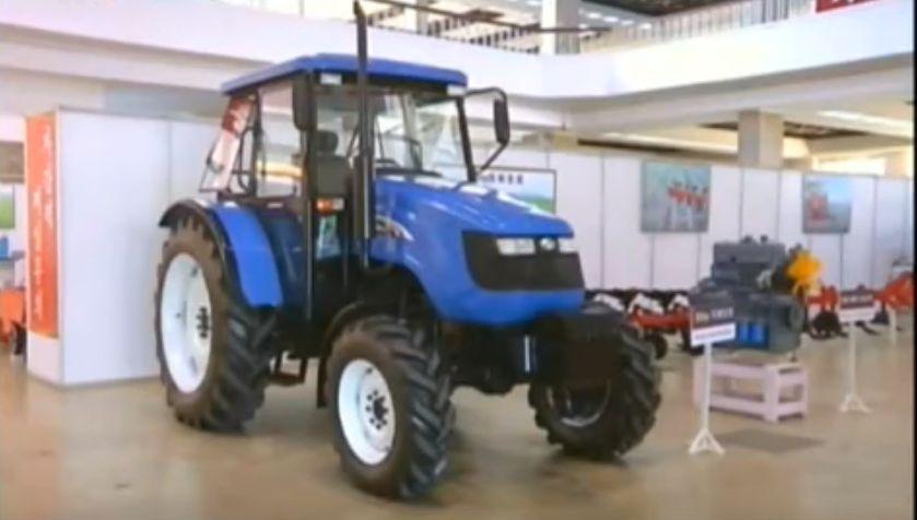 北鮮 トラクター工場