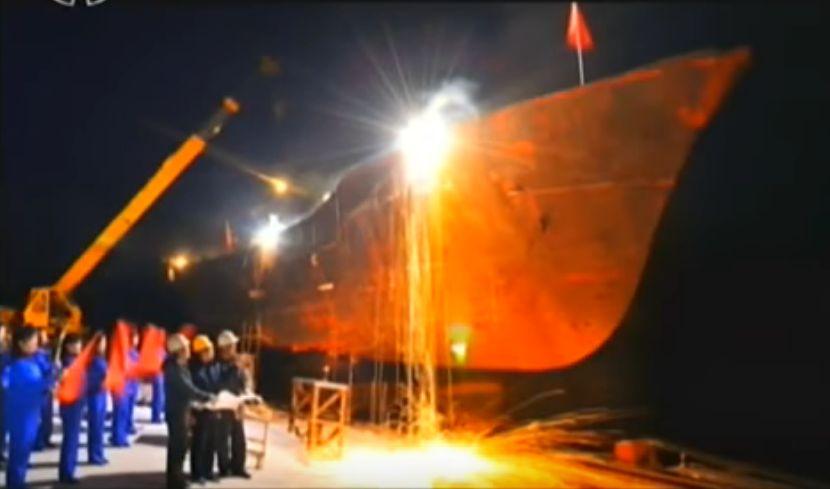 北鮮 巨大漁船建造