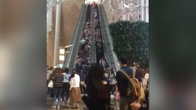 escalator-reverses-hong-kong-mall.jpg