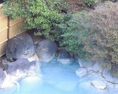 青磁色の湯